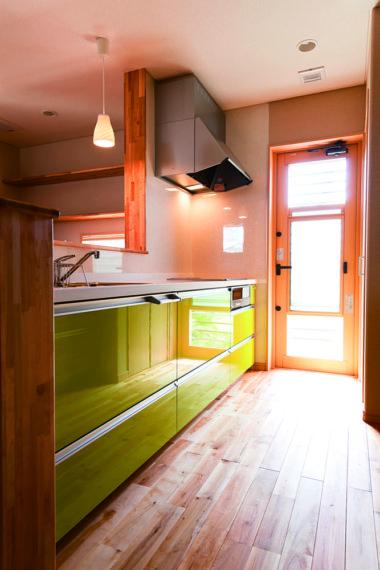 自然素材を取り入れ空気もキレイな家。/ 燕市 / U 様邸・新築