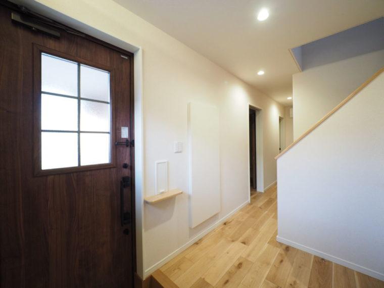 2階リビングで、近隣の目線を気にせず過ごす生活。/ 三条市 / S 様邸・新築