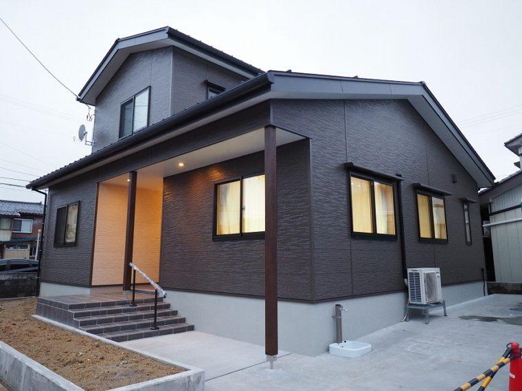 思い出の場所で住み継ぐ家。/ 三条市 / K 様邸・新築